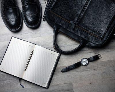 borsa da ufficio, scarpe, orologio, agenda